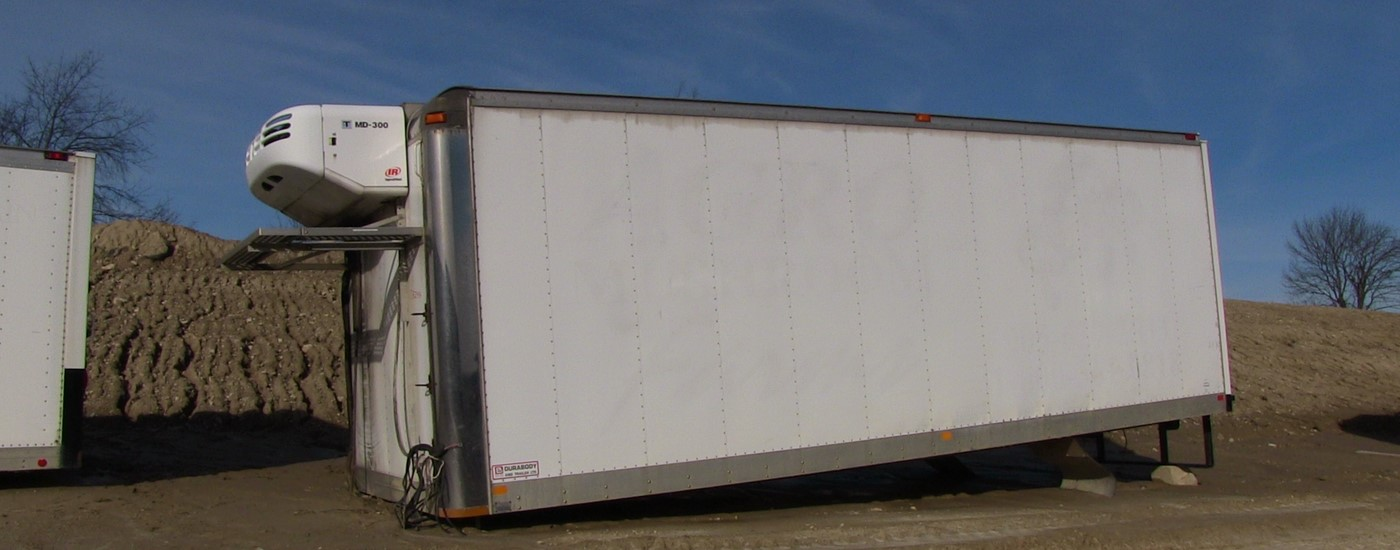 Durabody 24 foot insulated truck box with reefer for sale Toronto Ontario